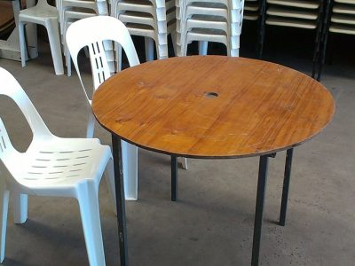 Small Round Table Plastic Chairs